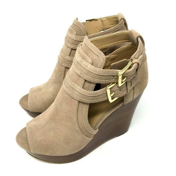 Blaze Wedge Sandals Suede